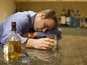 Что делать, если мужа тянет к алкоголю