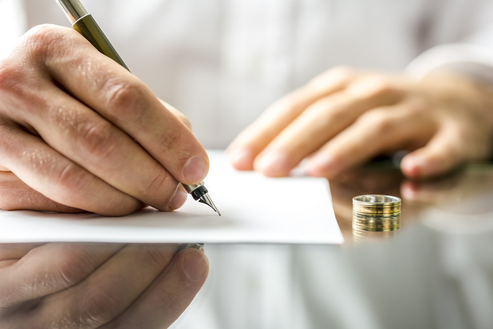 Расторжение судом кредитного договора в иностранной валюте